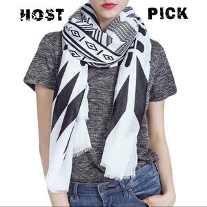 🏹 HOST PICK 🏹 Black and White Tribal Scarf